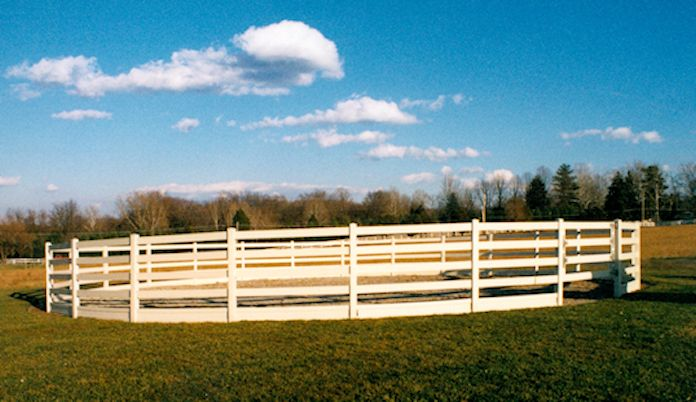 vinyl horse fence and round pens